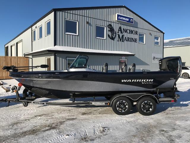 2018 Warrior 208 DC Fiberglass Fishing Boat - Anchor Marine